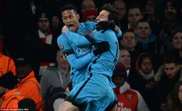 Thắng lợi 2-0 trên sân khách giúp Barcelona có nhiều cơ hội giành vé đi tiếp