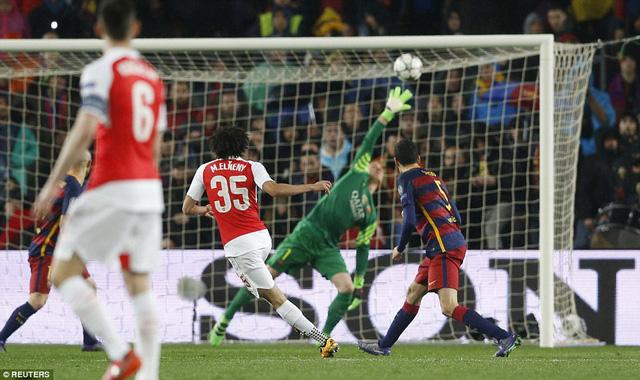 Bàn thắng vào lưới Barcelona là lần đầu Elneny nổ súng cho Arsenal (Ảnh: Reuters)