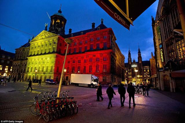 Cung điện Hoàng gia ở Amsterdam, Hà Lan...