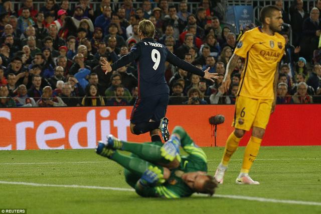 Fernando Torres mở tỷ số cho Atletico Madrid ở phút thứ 29