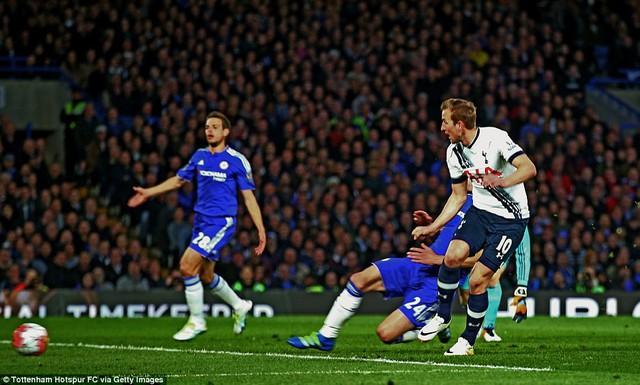 Kane tỏa sáng nhưng Tottenham vẫn không thể đánh bại Chelsea (Ảnh: Getty)