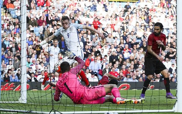 Vardy ghi bàn quyết định giúp ĐT Anh đánh bại Thổ Nhĩ Kỳ (Ảnh: Ian Hodgson)