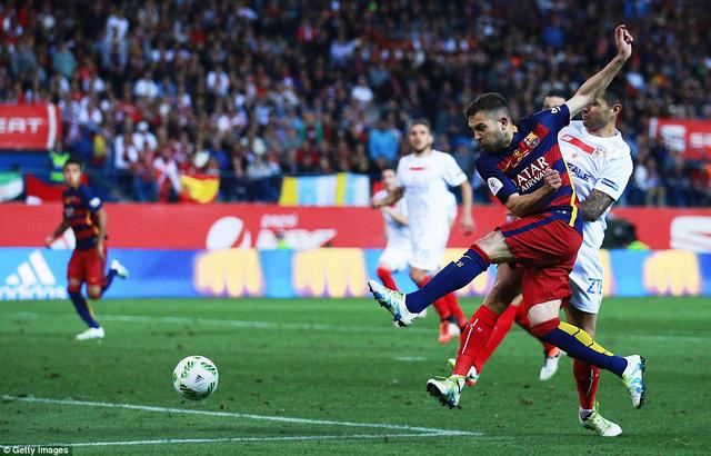 Jordi Alba mở tỷ số cho Barcelona ở phút 97