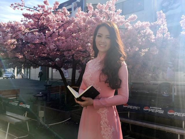 Cuối tháng 2, Á hậu Thụy Vân đã có chuyến công tác tại Nhật Bản. Trong chuyến đi lần này, cô đã ghé thăm bán đảo Miura gần Tokyo và thành phố cổ Kanazawa.