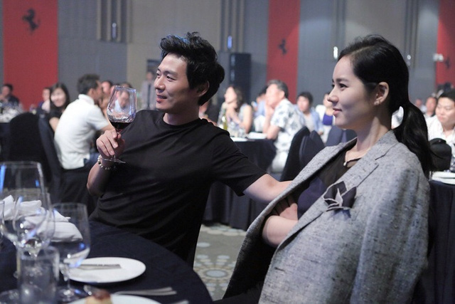 Vợ chồng Han Ga In - Yeon Jung Hoon