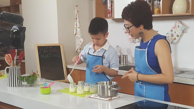 Chương trình hy vọng sẽ truyền cảm hứng cho các em nhỏ thêm yêu việc nấu ăn.