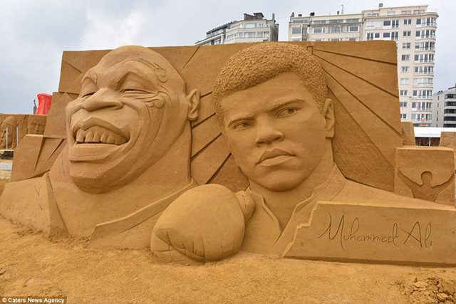 Một số bức điêu khắc để tưởng niệm những ngôi sao quá cố như Muhammad Ali, Prince hay David Bowie...