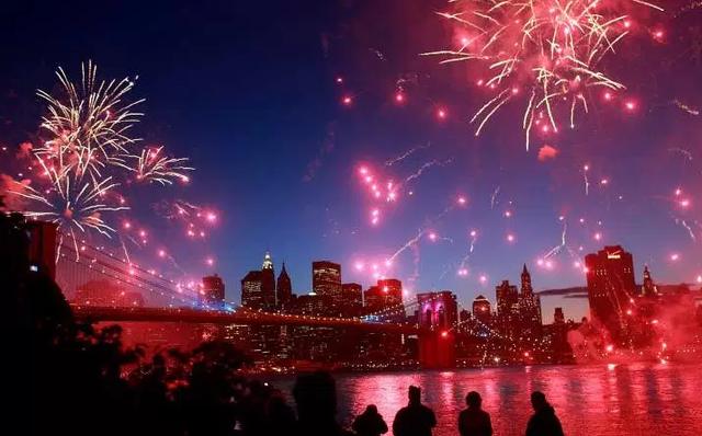 Ước tính người dân Mỹ đã chi gần 1 tỷ USD cho pháo hoa trong dịp Quốc khánh