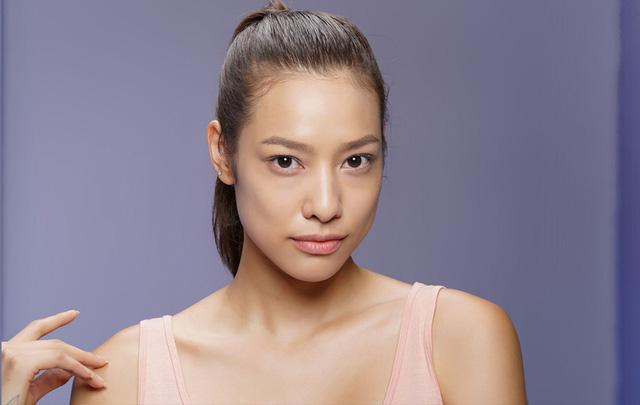 Lily Nguyễn sinh ngày 1/6/1993. Cô là người đứng đầu trong danh sách các thí sinh đang bị thừa cân của The Face. Ngay tập mở màn, Lily Nguyễn đã nhận được cảnh báo từ HLV Hồ Ngọc Hà yêu cầu phải giảm cân ngay lập tức.