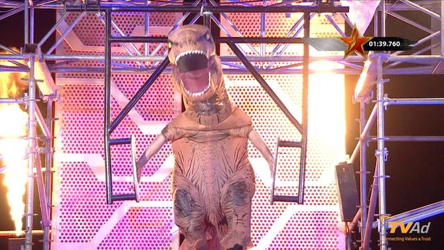 Trong tập 11, chú khủng long T-Rex đã dễ dàng vượt qua Cú trượt gian nan