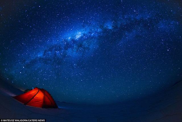 Nhiều người cũng cho rằng một mình khám phá sa mạc là một hành trình cô độc, nhưng Mateusz khẳng định, anh cảm thấy vô cùng thoải mái trong chuyến đi của mình.