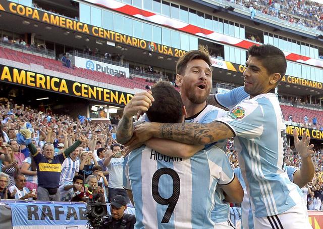 Messi cùng các đồng đội đang thi đấu thăng hoa tại Copa America 2016