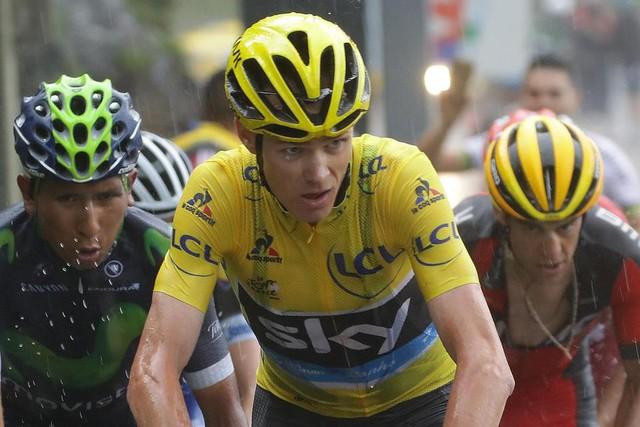 Chris Froome của Team Sky dù không về nhất nhưng vẫn giữ áo vàng sau chặng 10 của Tour de France năm nay.