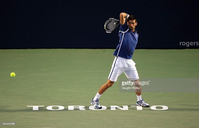 Djokovic dễ dàng đánh bại Stepanek để giành quyền vào tứ kết
