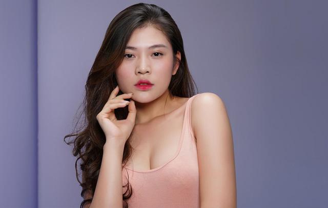 Một nhân vật cũng nằm trong danh sách các thí sinh bị thừa cân của The Face là Chúng Huyền Thanh. Cô hiện là thành viên trong đội Hồ Ngọc Hà.