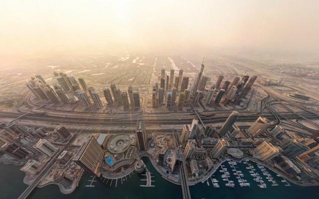 Bây giờ, Dubai là một thành phố năng động với các đô thị có những tòa kiến trúc cao nhất, lớn nhất và sang trọng bậc nhất trên thế giới.