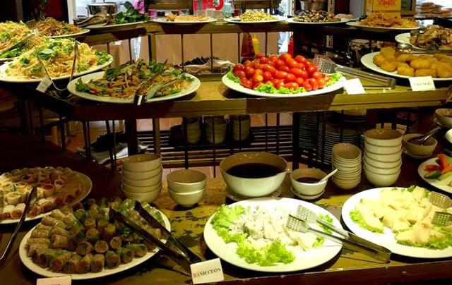 Nhiều món chay được bài trí đẹp mắt, giàu dinh dưỡng và ngon miệng nên rất đắt khách thưởng thức trong mùa Vu lan