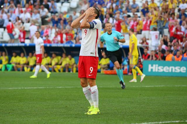 Chân sút chủ lực Lewandowski không có nhiều đóng góp vào thành tích vượt qua vòng bảng của ĐT Ba Lan