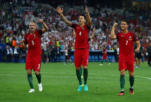 Niềm vui chiến thắng của các cầu thủ Bồ Đào Nha