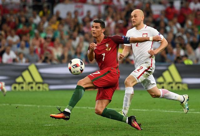 Ronaldo đã bỏ lỡ ít nhất 3 cơ hội mười mươi trong trận đấu này