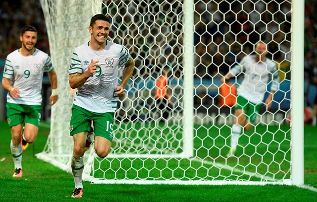 Brady ghi bàn thắng quý như Vàng cho ĐT CH Ireland