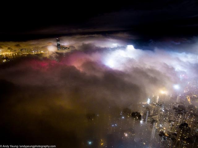 Những góc ảnh đầy ấn tượng về Hong Kong vào ban đêm.