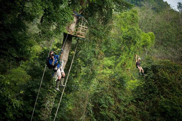 Nơi đây cũng trở thành công viên treo để có thể trải nghiệm leo trèo với gió.