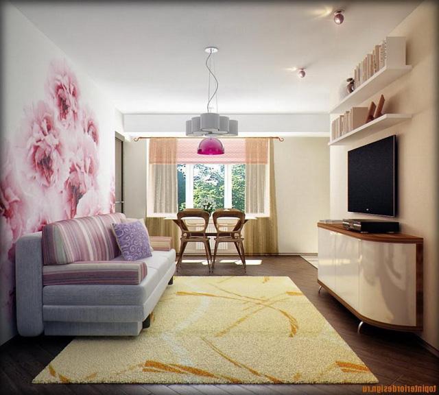 Một căn phòng nhỏ với bức tường hoa mang lại cảm giác thoải mái và yên bình hơn.