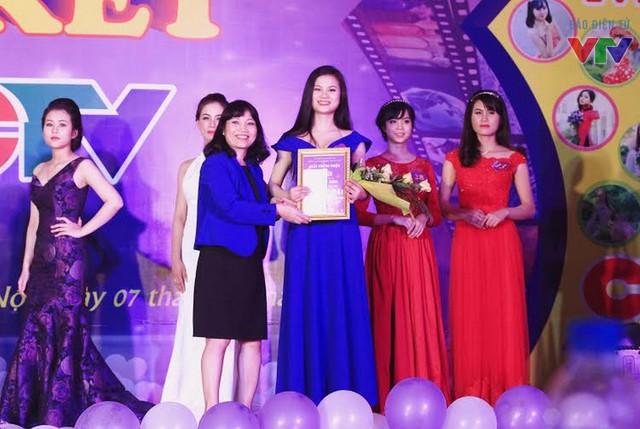 Thí sinh Đặng Thị Thanh - người đạt giải Hoa khôi áo dài với chiều cao lý tường 1m67.