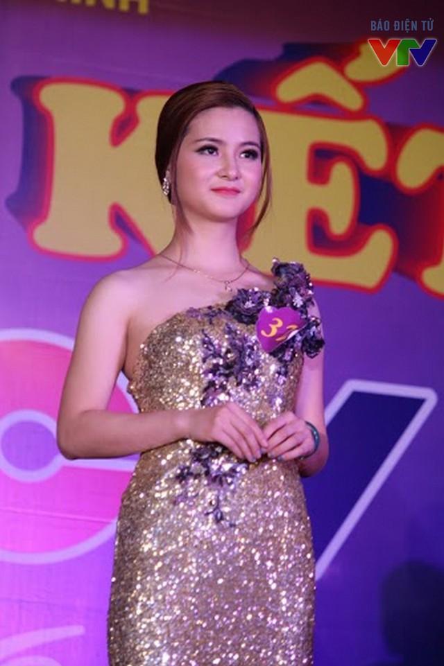 Cô cũng là thí sinh đạt giải Trang phục dạ hội đẹp nhất.