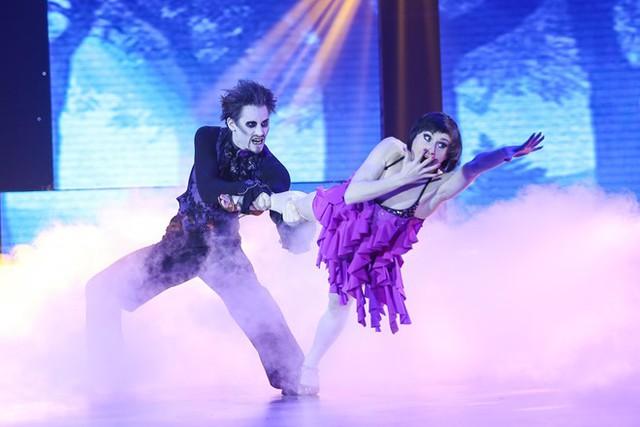 Cặp đôi đến từ Cộng hòa Séc khiến khán giả phấn khích khi hóa thân thành nhân vật Zombie. Họ thể hiện xuất sắc bài thi với tạo hình nhân vật ấn tượng và phần nhảy chính xác, điêu luyện.