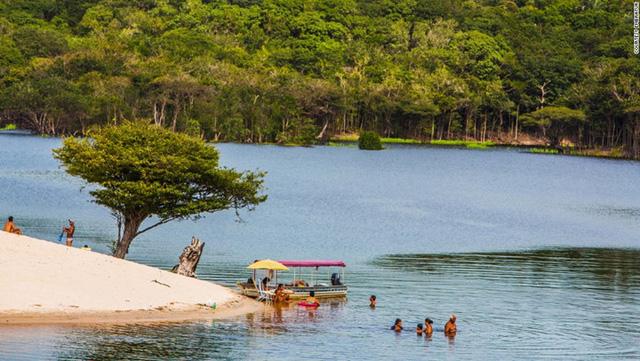 Rừng nhiệt đới Amazon là khu bảo tồn thiên nhiên lớn và đa dạng nhất thế giới.