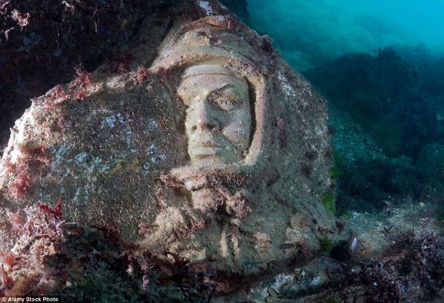 Bức tượng của Yuri Alekseyevich Gagarin - người đầu tiên đặt chân lên Mặt trăng