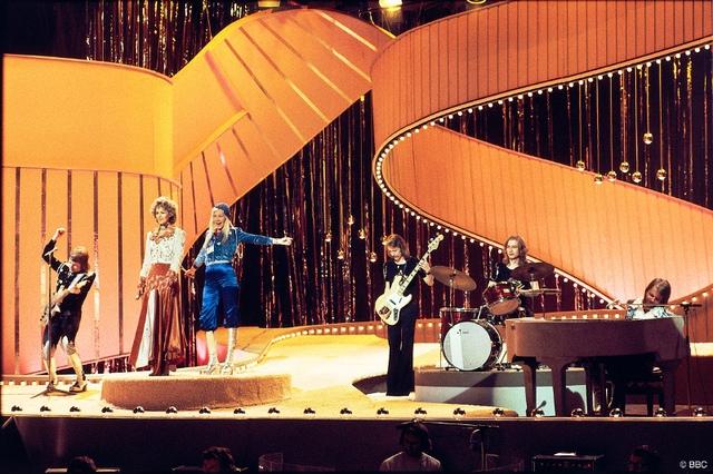 Ban nhạc ABBA là quán quân Eurovision năm 1974.