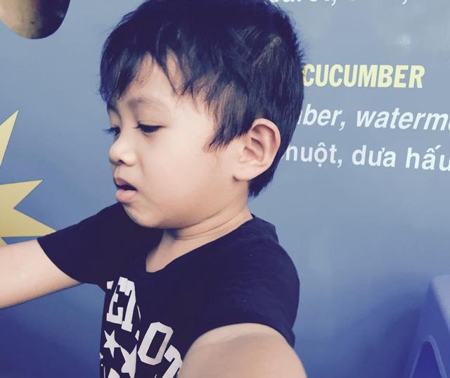 Bé Châu Chấu - con trai Phạm Anh Khoa - có vẻ ngoài bảnh trai, dễ thương