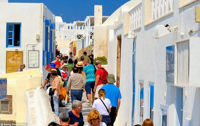 Vì thế rất nhiều người muốn đến hòn đảo này của Hy Lạp để trải nghiệm.