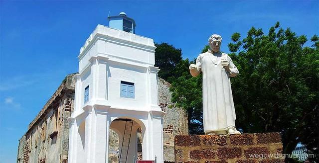 Nhà thờ Thánh Paul được người Bồ Đào Nha xây từ 400 năm nay, Bảo tàng Văn hóa, giếng Hang Tuah, Lăng Hang Jebat, phố Jonker. Ảnh: wegowithanuar.