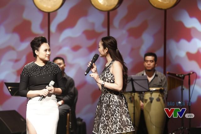 MC Thùy Linh và ca sĩ Khánh Linh.