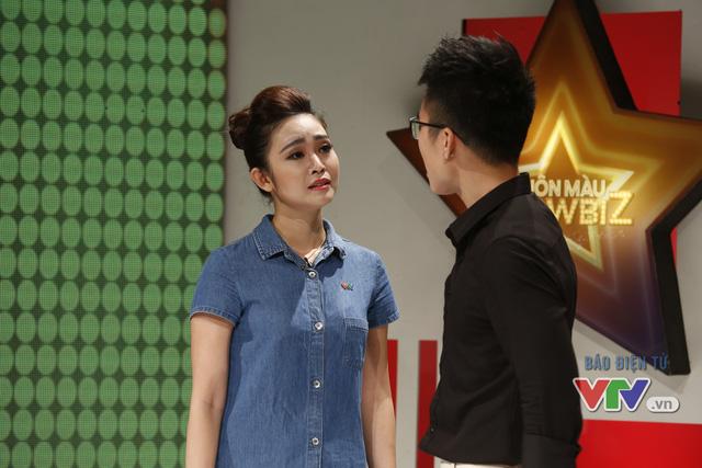 Mạnh Quân và MC Thùy Linh diễn vở kịch đánh ghen và người thứ 3 bị cho là xen vào tình cảm của 2 người chính là MC xinh đẹp, cá tính Phí Linh.