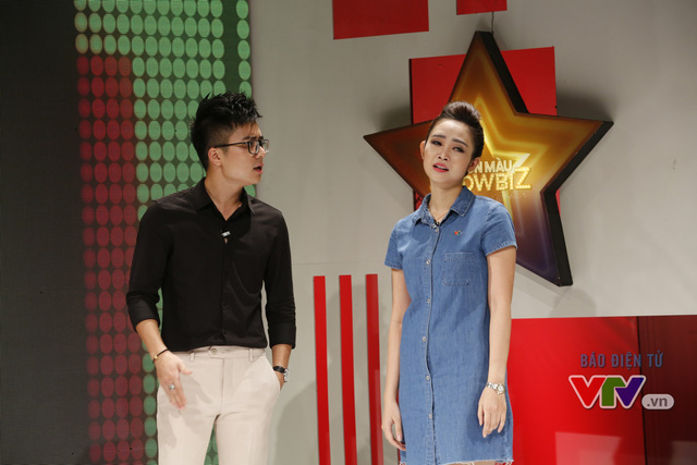 MC Thùy Linh cho rằng Mạnh Quân và Phí Linh đã lén lút yêu nhau, lừa dối cô.