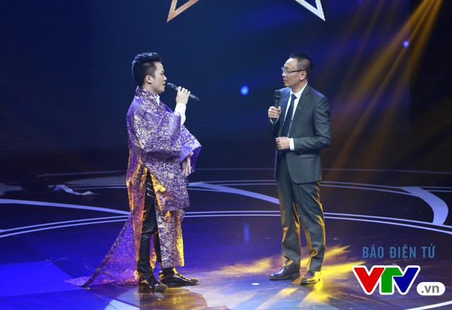 Nam ca sĩ chia sẻ, dù đây không phải lần đầu anh trình diễn ca khúc Thiên thai của nhạc sĩ Văn Cao nhưng lần này, anh như lạc vào cõi mơ thực sự với bản phối mới.
