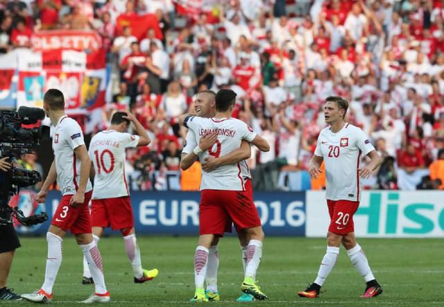 ĐT Ba Lan đang tràn đầy cơ hội đi tiếp vào vòng 16 đội tại EURO 2016. Ảnh: UEFA