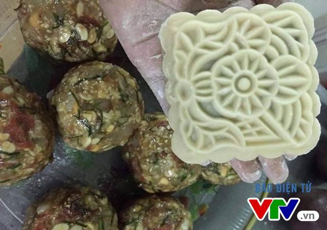 Cửa hàng cà phê, thức ăn nhanh chen chân thị trường bánh Trung thu - Ảnh 2.