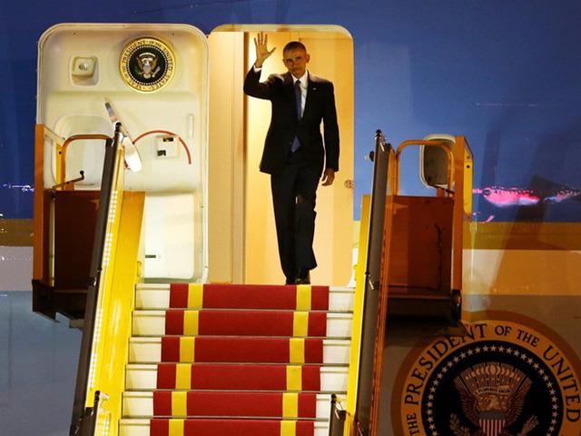 21h30 ngày 22/5, chuyên cơ Air Force One của Tổng thống Mỹ Barack Obama hạ cánh tại Sân bay Nội Bài.