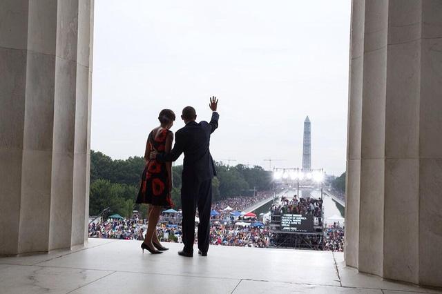 Tháng 8 năm 2013, Tổng thống Obama và đệ nhất phu nhân tại Washington.