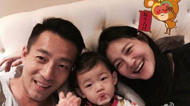 Từ Hy Viên cùng chồng và cô con gái đầu.