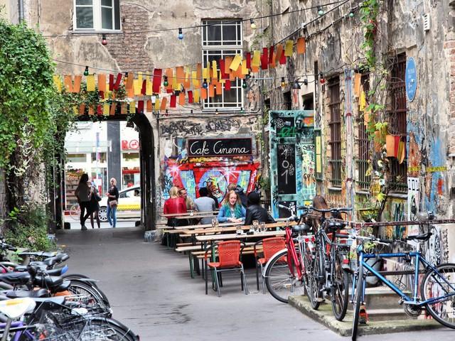 4. Berlin (Đức): Đặt phòng trước từ 2 - 5 tháng giúp bạn tiết kiệm 33% chi phí cho chuyến du lịch