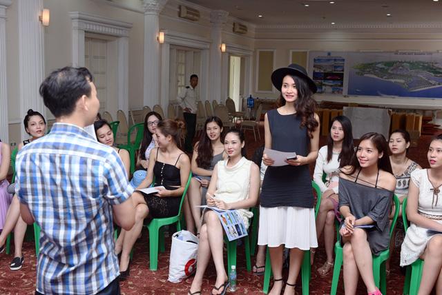Khóa tập huấn diễn ra sôi nổi nhờ những câu hỏi thú vị của nhà báo Đỗ Xuân Hồng