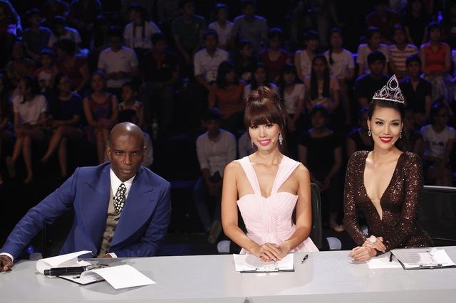 Ba giám khảo trong liveshow 6 Hoa khôi áo dài Việt Nam