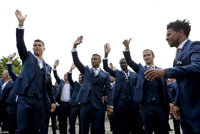 Toàn đội đã có kỳ EURO không thể nào quên trên đất Pháp với màn trình diễn khó tin.